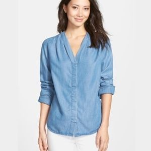 Kut From The kloth Jessica V-Neck Chambray Top